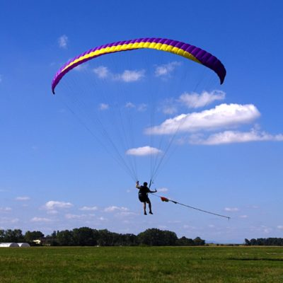 Paraglider_towed_launch