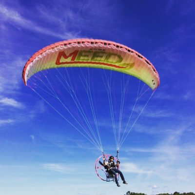 Mark enjoying his personalised wing.. looking good @meed_medical!  #Poliglide #Paramotor #FreshBreeze #paraglider #paragliding #ByronBay #ballina #learn to #fly #swingparagliders #EvansHead #adventure #life #NowThisIsLiving