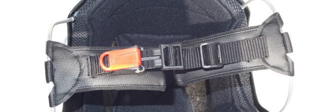 Solar X micrometric chin strap
